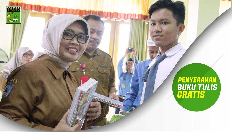 Pembagian Buku Gratis oleh Walikota Bontang